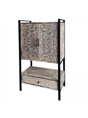 Дървен шкаф с метална рамка