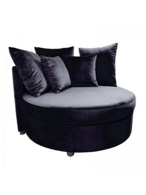 Черно плюшено канапе с възглавници