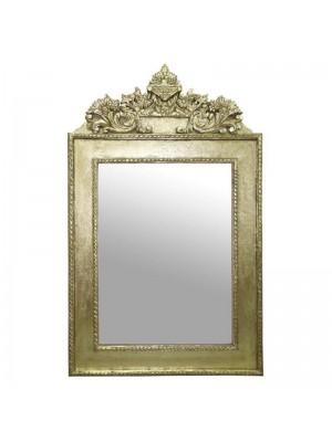 Стенно огледало с дървена рамка