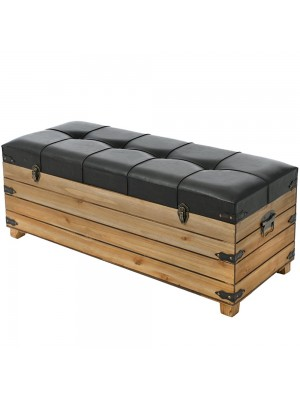 Дървен сандък с кафява кожа в индустриален стил